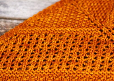 AtlasKnits-AscentShawlWorsted-Closeup-3